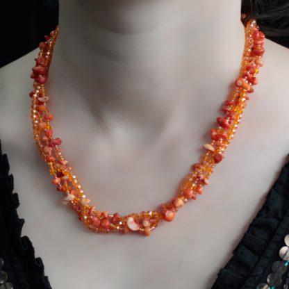 Oranž korall kaelakee
