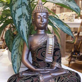 Kuldse rüüga Buddha