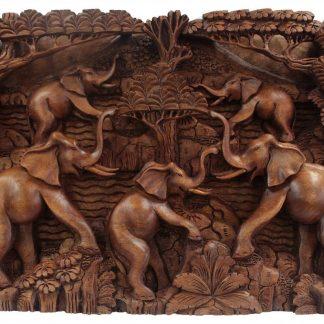 Käsitööna valminud puidust 3D pilt Elevandid ja vulkaan