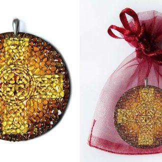 Kelti ristiga ripats-talisman